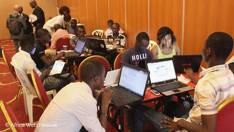 En pleine session de hackathon, durant à l'Africa Web Festival 2016