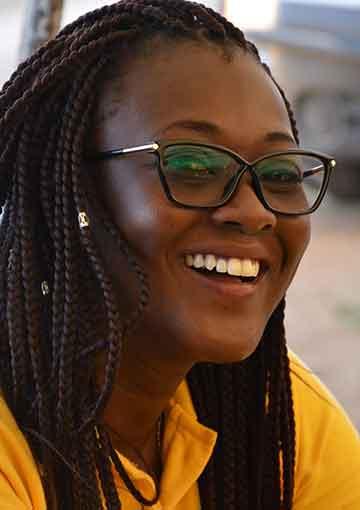 Nafi Gueye, Chargée de développement pour Little Sun